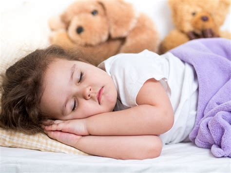 When Can Toddlers Sleep With A Pillow by When Can Your Baby Sleep With A Pillow Boldsky