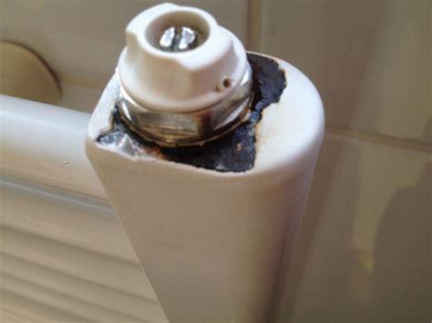 radiator in badkamer roest roest lekje in radiator badkamer herstellen of vervangen