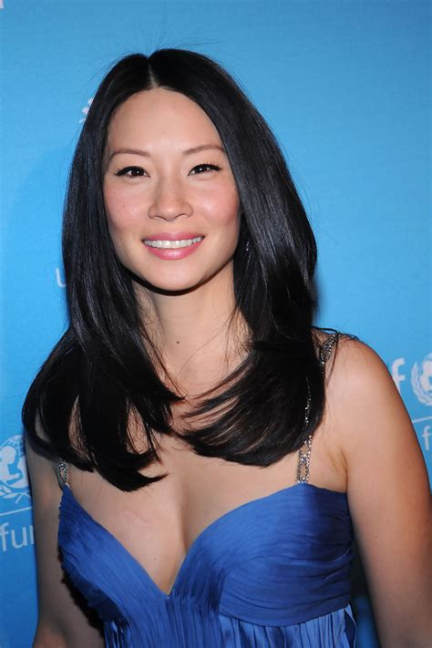 lucy liu straight hair the glossiest a list styles instyle uk lucy liu long hair lucy liu hair zimbio