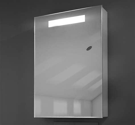 badkamerkastje met stopcontact toilet of badkamer kastje met verlichting en stopcontact