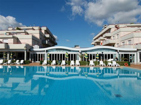 residence club le terrazze grottammare residence club le terrazze grottammare azzurro va紂e