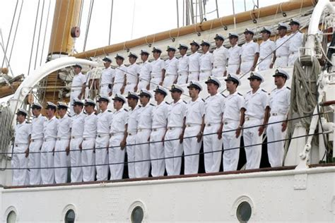 Resume Preparation Online by How To Join In Merchant Navy Educational Qualification