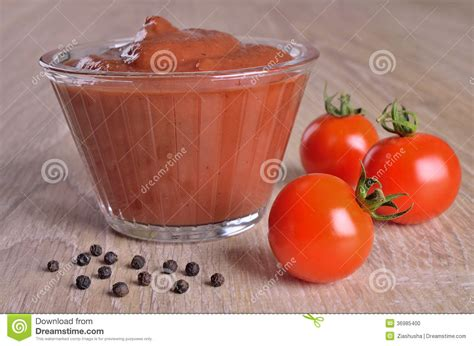 gravy boat metaphor tomato sauce stock photo image 36985400