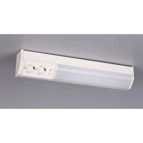 beleuchtung oberschrank ibv k 252 chen oberschrank arbeitsleuchte mit steckdose