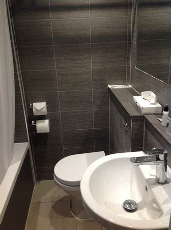 small hotel bathroom photo0 jpg picture of best western plus oxford linton