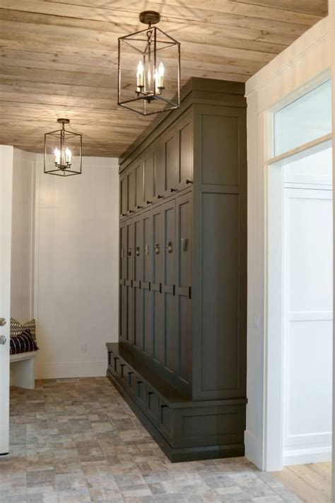 Light Storage by 25 Best Ideas About Foyer Lighting On