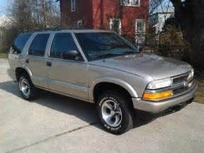 look at a 2002 chevy blazer