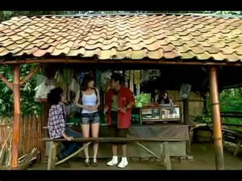 adegan panas film layar lebar indonesia adegan panas artis jepang mandi air terjun di film bioskop