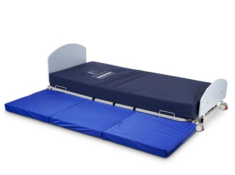bariatric bed bariatric floor bed 300kg swl nightingale beds