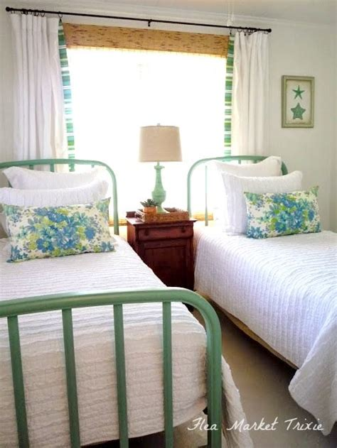 small room design perfect collection double beds for 1000 ideas about beach cottages on pinterest nantucket