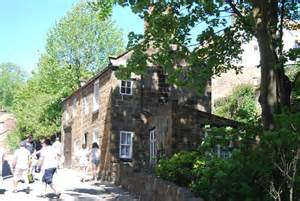 cottages robin hoods bay cottage robin s bay 169 n chadwick cc by sa 2 0