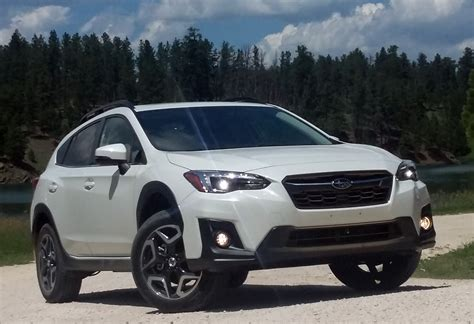 white subaru crosstrek 2018 subaru crosstrek the daily drive consumer guide 174