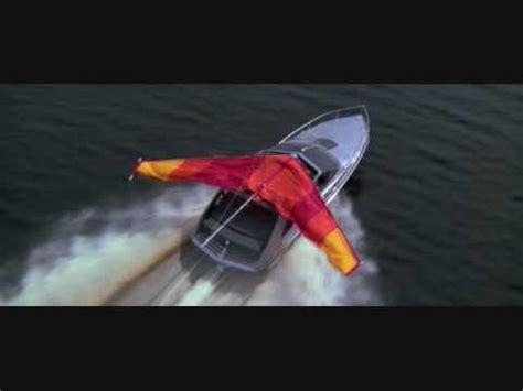 moonraker boat chase youtube - Boat Chase Song