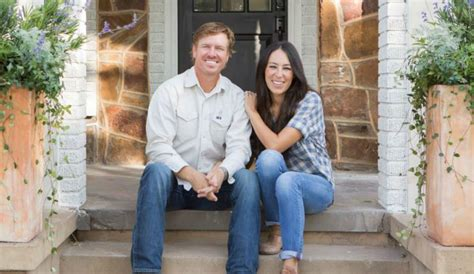fixer upper stars fixer upper stars chip and joanna gaines fire back at