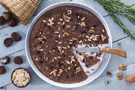 cucina tipica toscana ricette ricetta castagnaccio alla toscana la ricetta di
