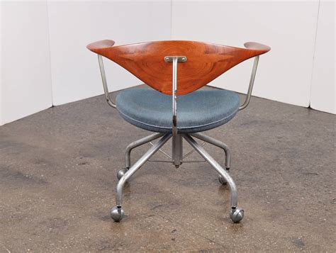 wegner swivel chair 1955 hans wegner swivel chair for sale at 1stdibs