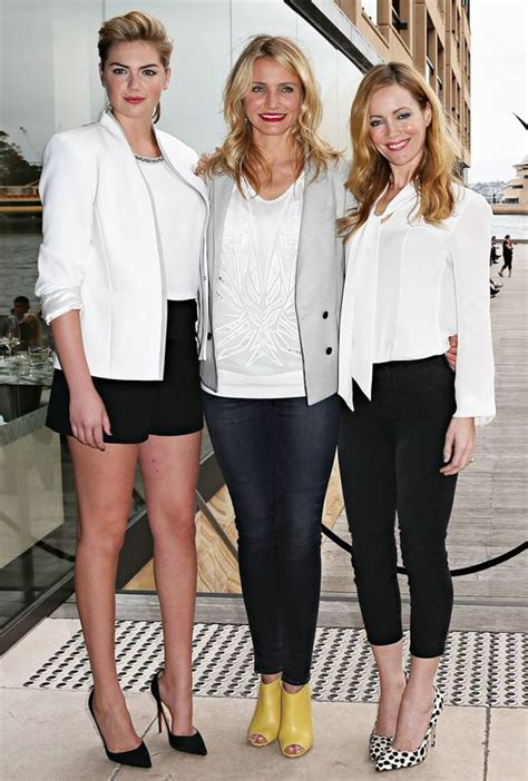 cameron diaz how tall kate upton towers above cameron diaz and leslie mann at