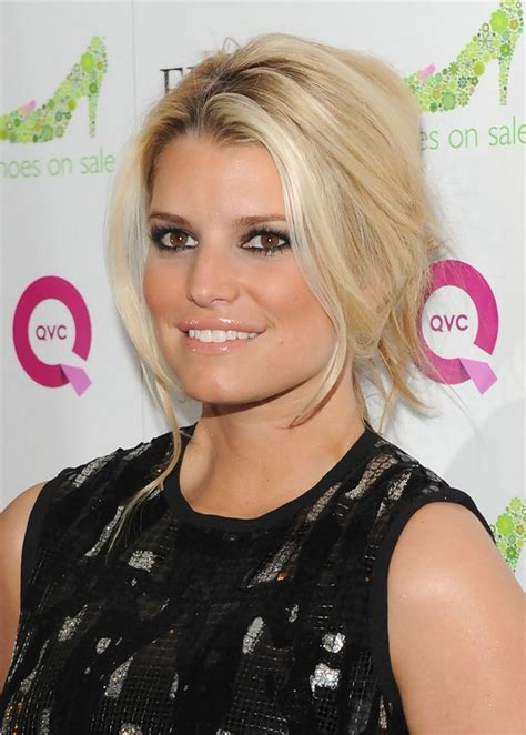 simple easy french twist  girls jessica simpsons