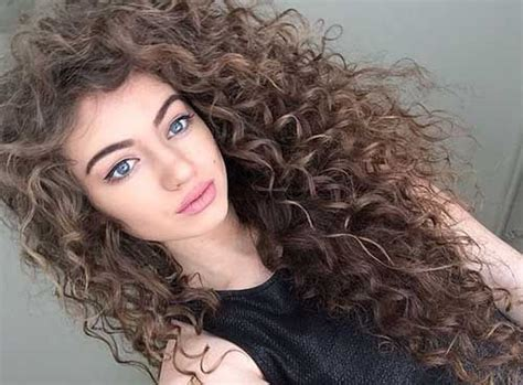 www hair stlyes photos 25 beautiful long curly hairstyles ideas on pinterest