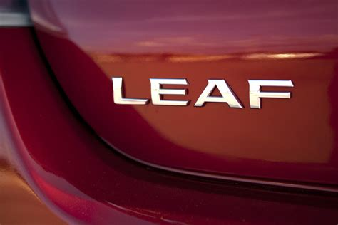 nissan leaf logo 2013 nissan leaf review web2carz