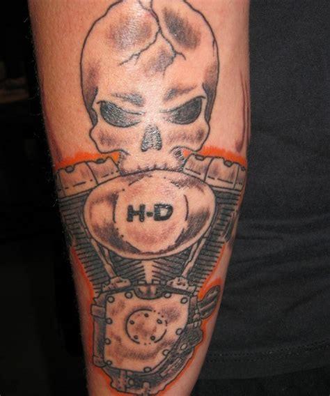 harley skull tattoo designs 30 oustanding harley davidson tattoos creativefan