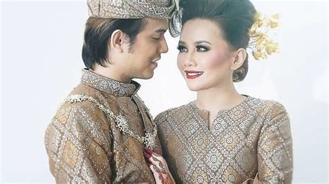 Baju Artis koleksi baju pengantin artis kahwin 2016