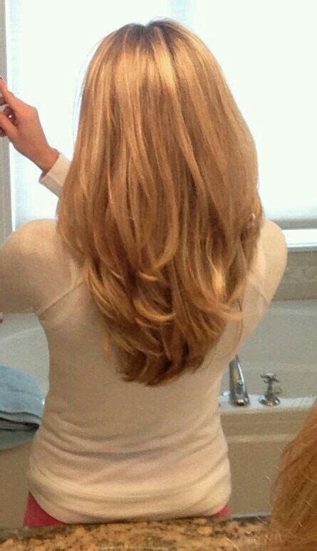 shoulder length hair with layers at bottom my next haircut my stylist keep giving me short layers