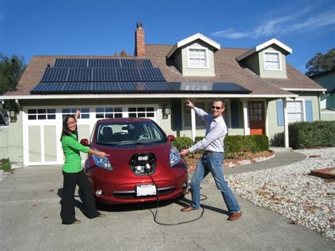 Solar Powered Cruise Cars Use The Sun On The Golf Course by Electric Cars And Solar Power Go Better Together For A