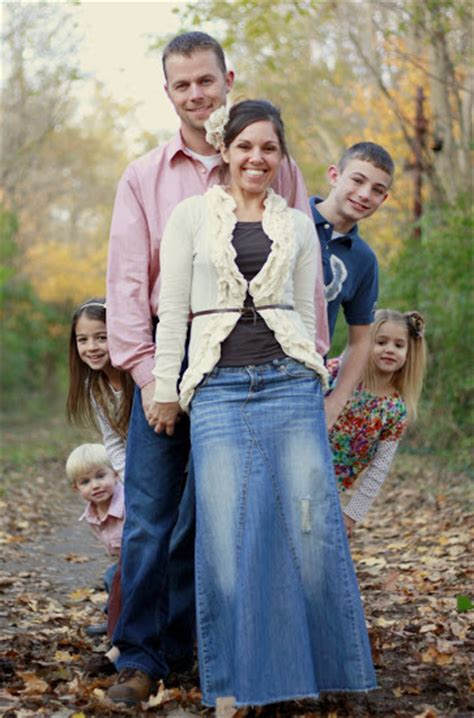family pictures idea family picture pose ideas with 4 children capturing joy