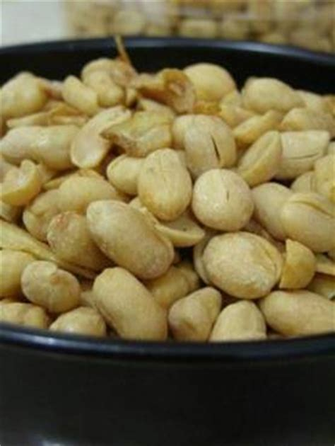 Kacang Tanah Kupas Ari Oven 1 Kg peanuts oven kacang oven bahan 1 kacang tanah kupas 1