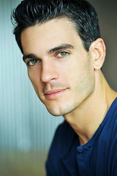 mixed guy with green eyes actor 30 reasons for you to like green eyed men onedio co