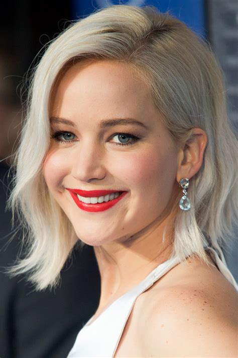 jennifer lawrence hair co or for two toned pixie platinum blonde hair colors 2017 summer trends hairdrome com