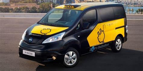 des taxis 233 lectriques nissan e nv200 224 barcelone
