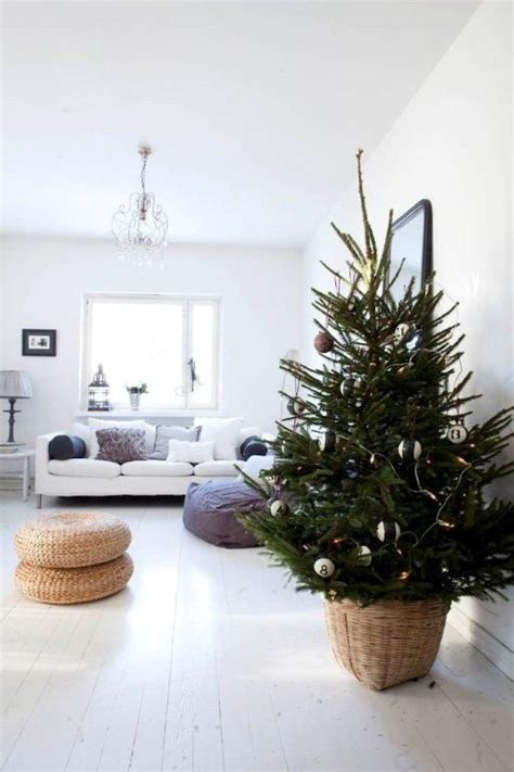 22 minimalist and modern christmas tree d 233 cor ideas digsdigs