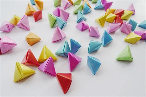 How To Make 3d Triangle With Paper - 3d origami triangles 3d puzzle image