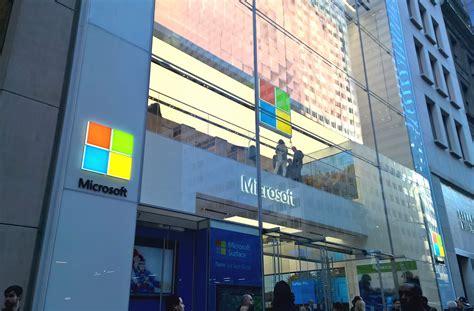microsoft flagship store opens in nyc onetechstop