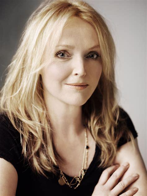 actress elizabeth richardson classify english actress miranda richardson and where can