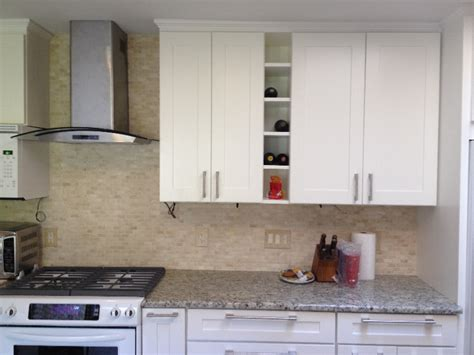 white kitchen shaker cabinets mayland white shaker kitchen cabinet pictures