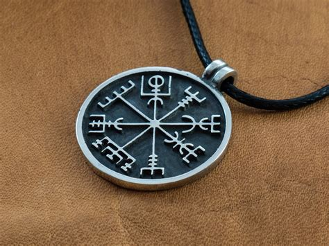 ancient viking compass www pixshark com images