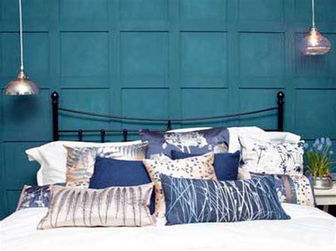 Exceptionnel Peindre Chambre 2 Couleurs #2: peinture-chambre-bleu-canard-pour-faire-la-tete-de-lit.jpg