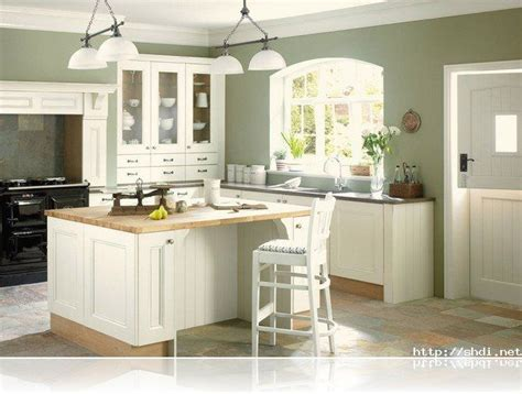 Kitchen Colors With White Cabinets by Wall Color For Kitchen With White Cabinets