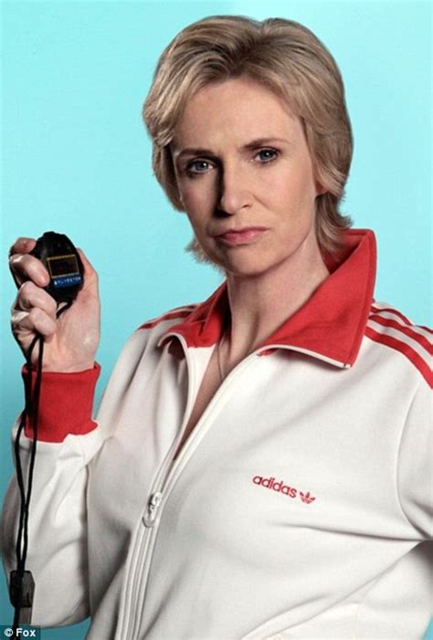 who is the woman that plays jane on the geico commercial glee star jane lynch reveals addiction to cold medicine
