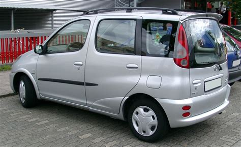 toyota yaris verso 2004 toyota yaris verso p2 pictures information and