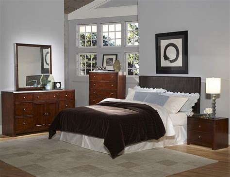 Chocolate Bedroom Furniture Cool Brown Bedroom Furniture On Copley Brown Wood 5pc Bedroom Set W Cal Eastern King