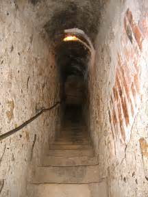 Hiddenpassageway file bran castel secret passage jpg wikipedia