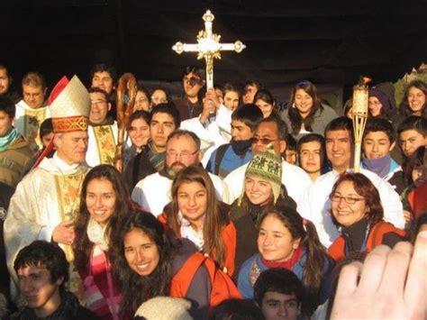 imagenes jovenes alegres alegres j 243 venes peregrinaron al monte de as 237 s de santa