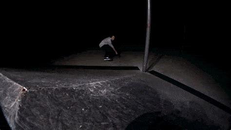 imagenes con movimiento tumblr imagen con movimiento skater movimiento gif wifflegif