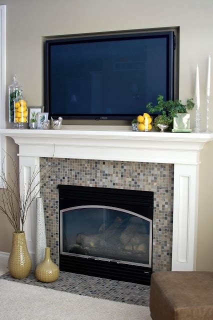 Lovely Mantel Decorating Ideas For Everyday #1: 0832bebabbe0578818de050ad9491d0b.jpg
