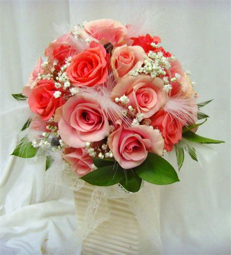 wedding flowers wedding flower bouquets learn about the different shapes