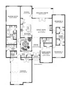 house plans with atrium in center